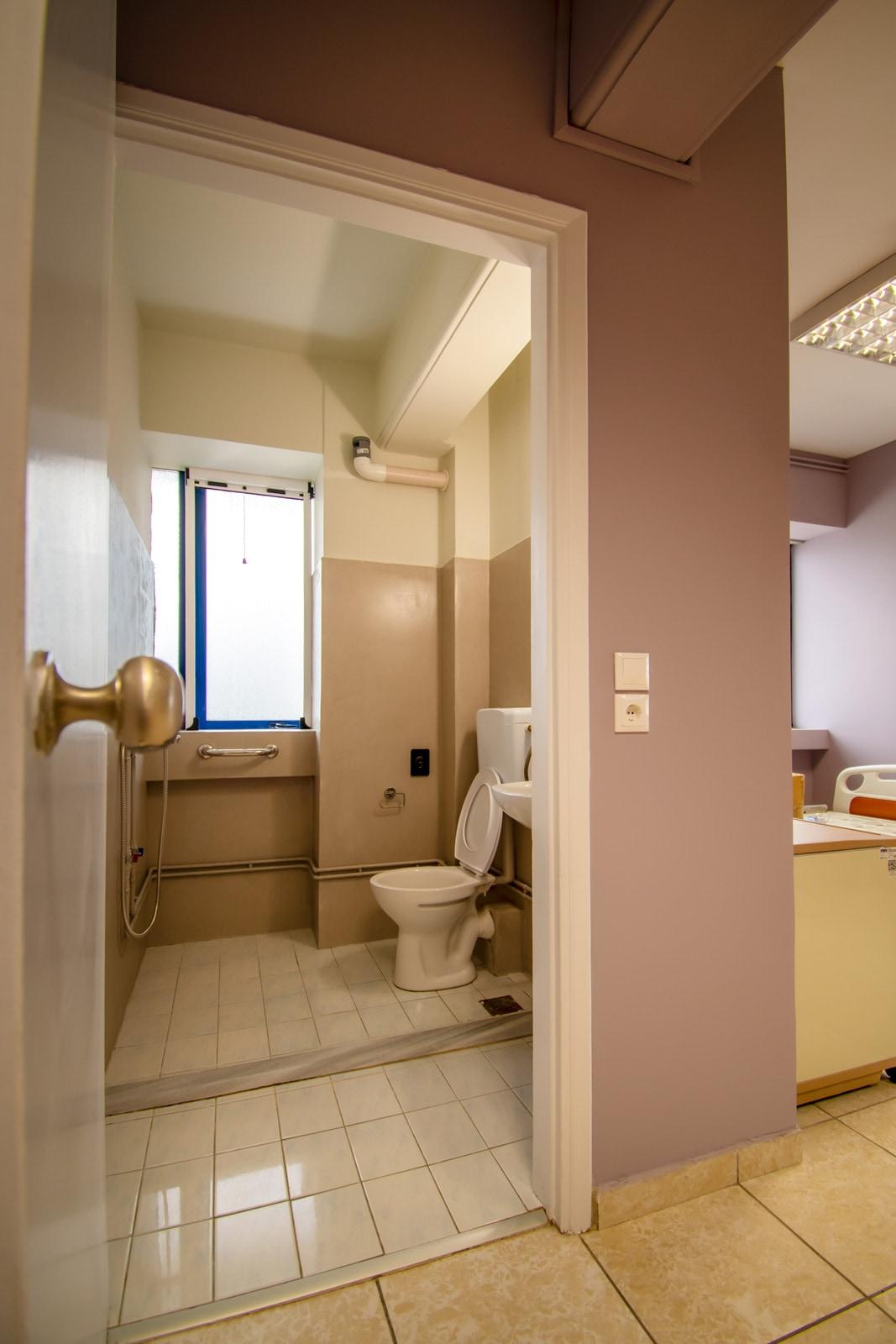 Μονάδα Φροντίδας Ηλικιωμένων Ίριδα Παγκράτι τουαλέτες