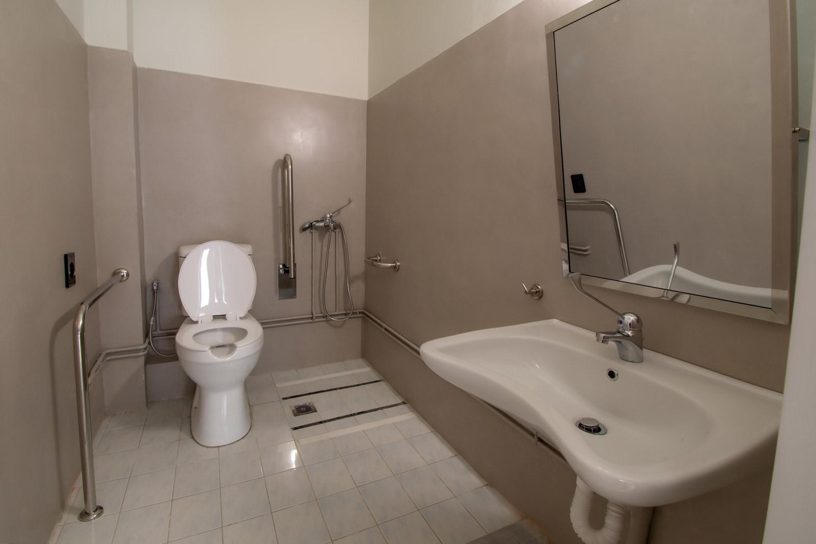 Μονάδα Φροντίδας Ηλικιωμένων Ίριδα Παγκράτι τουαλέτα
